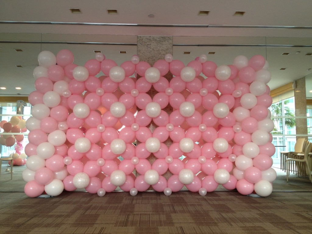 basic balloon backdrop that balloonsthat balloons
