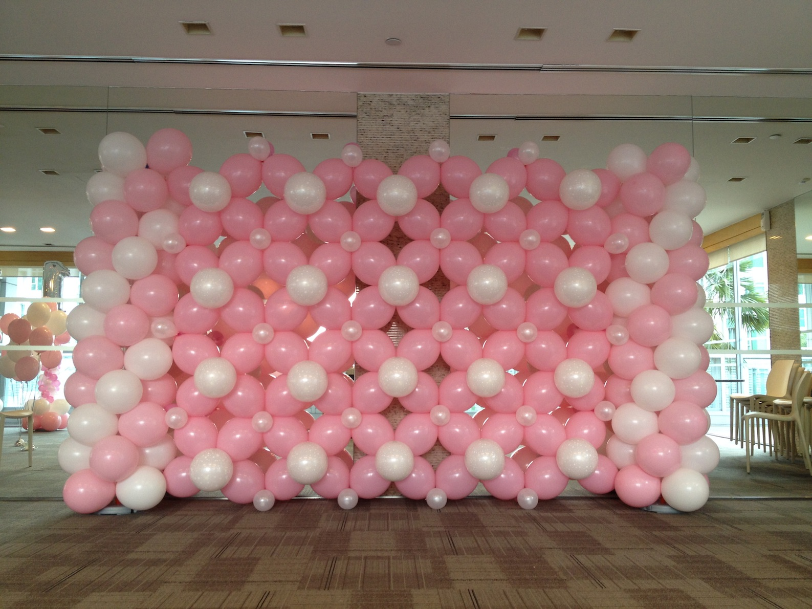 Basic balloon backdrop that balloons for Decoration images