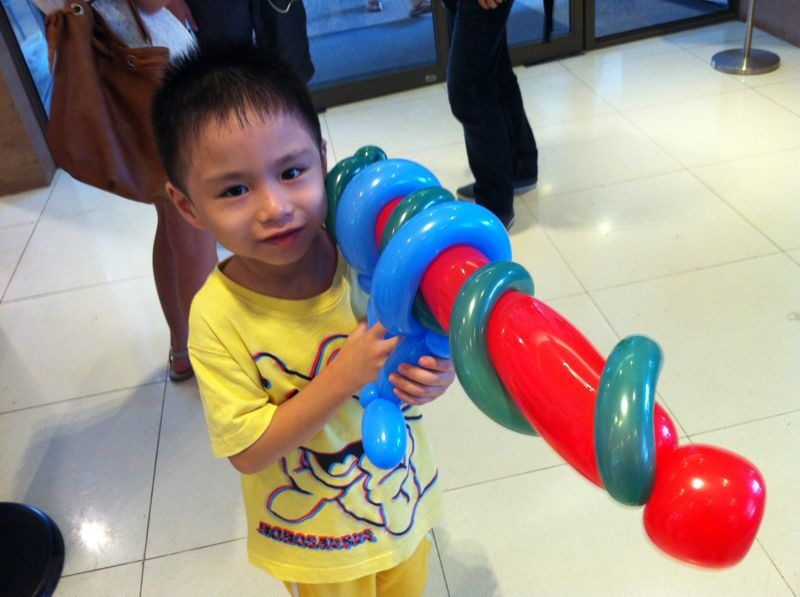 Balloon machine gun that balloons for Balloon decoration machine