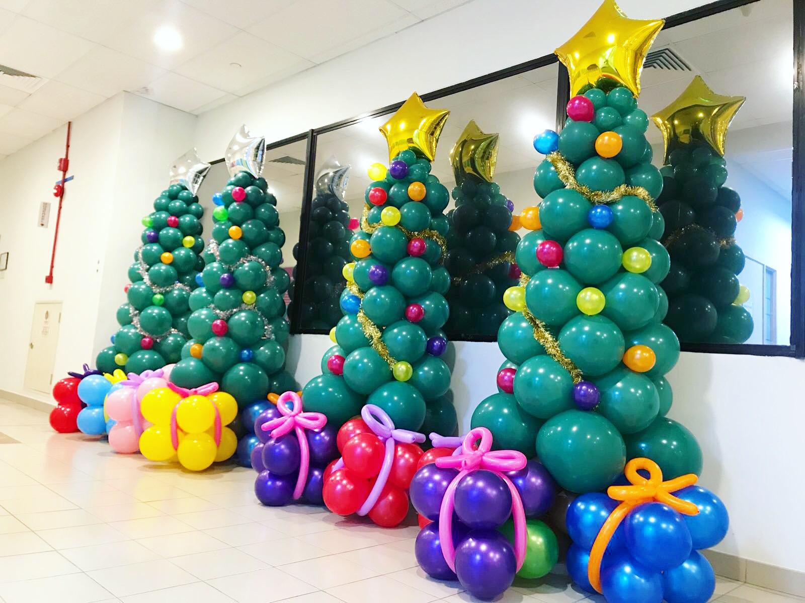 Christmas Tree Balloon Sculptures