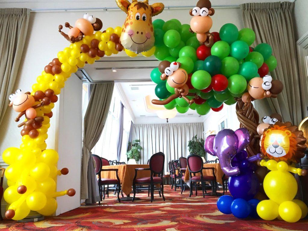 Giraffe and Money Balloon Arch Deco