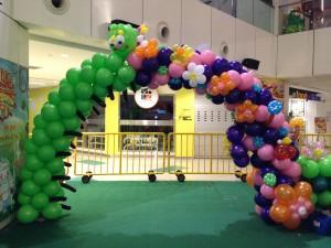 Singapore Balloon Caterpillar Arch Deco