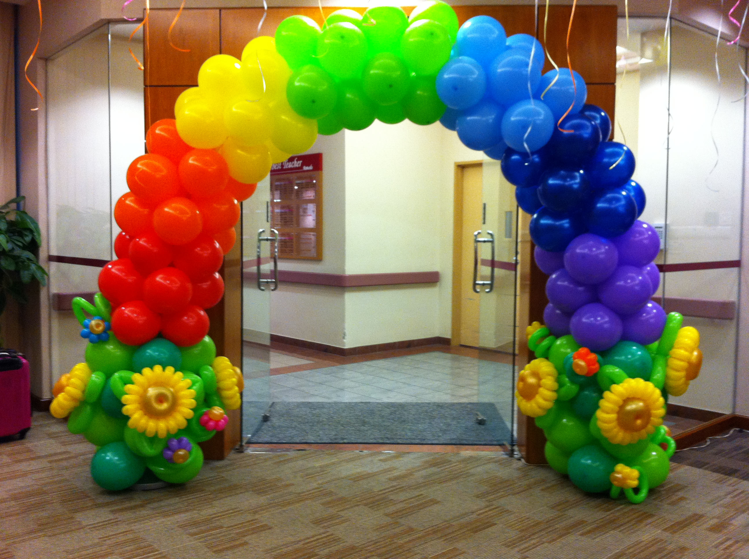 Singapore balloon rainbow arch that balloons for Balloon decoration arches