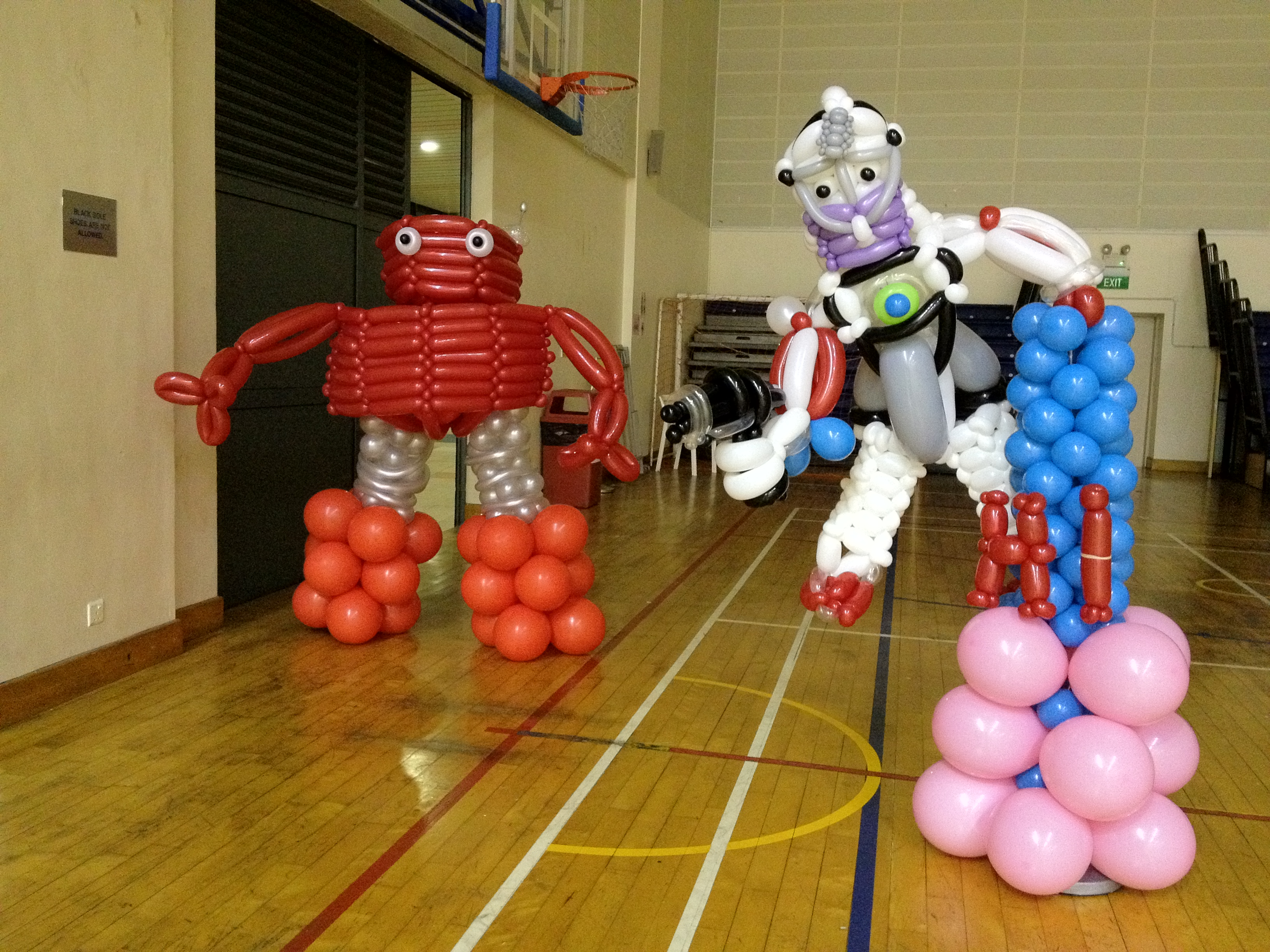 Singapore balloon robot that balloons
