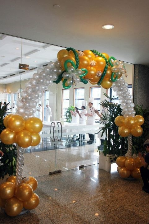 Singapore-Balloon-Wedding-Arch