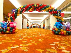 Singapore Christmas Balloon Arch