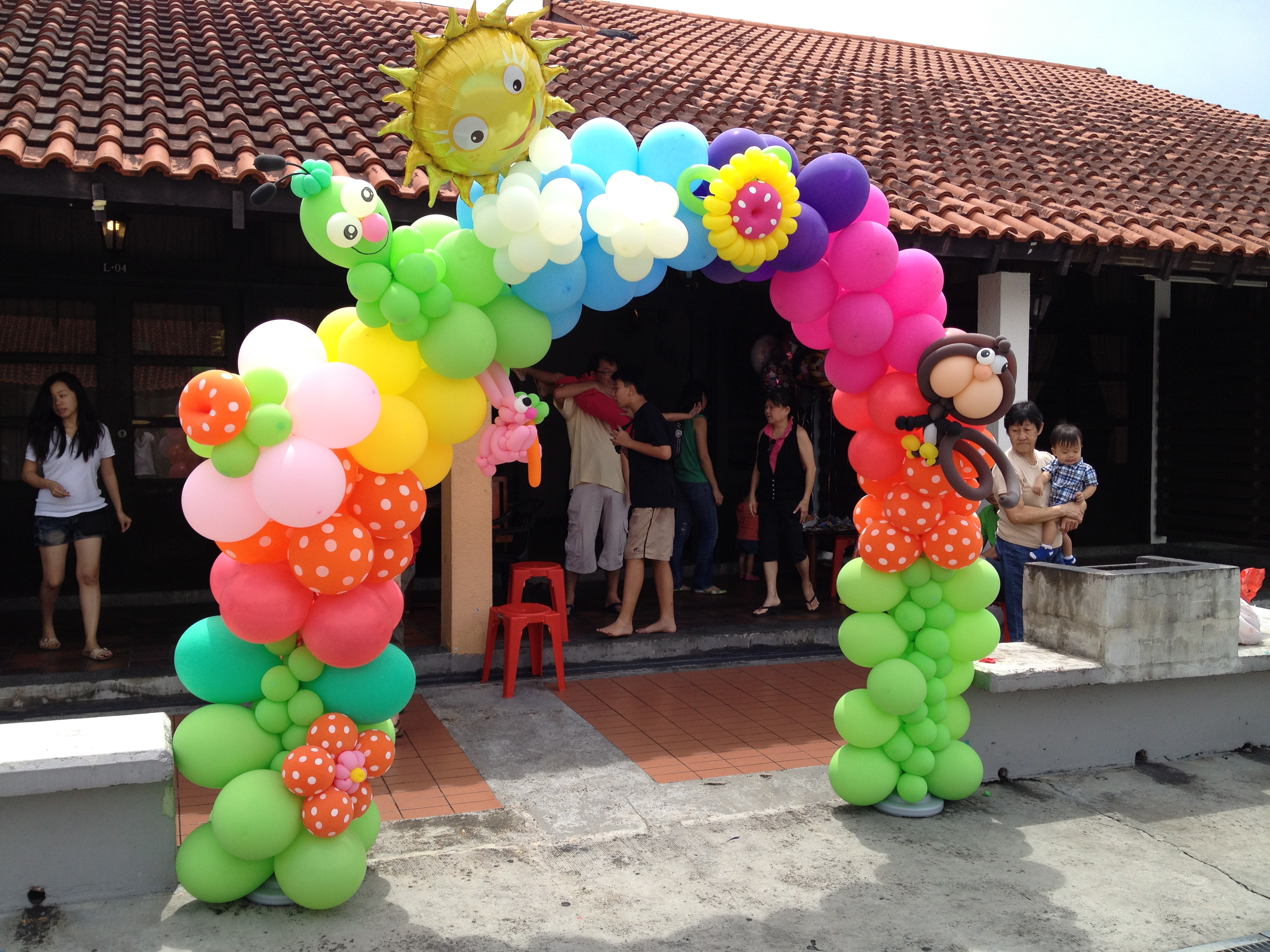 Singapore customised balloon arch that balloons for Balloon decoration arches
