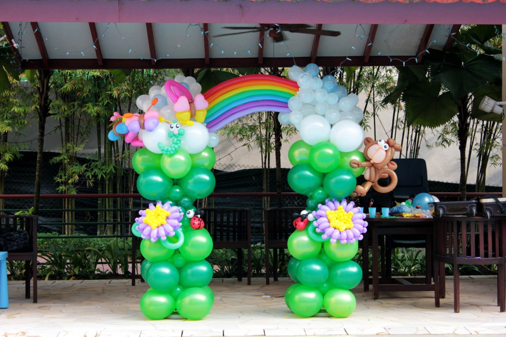Singapore customised balloon column that balloonsthat for Balloon column decoration