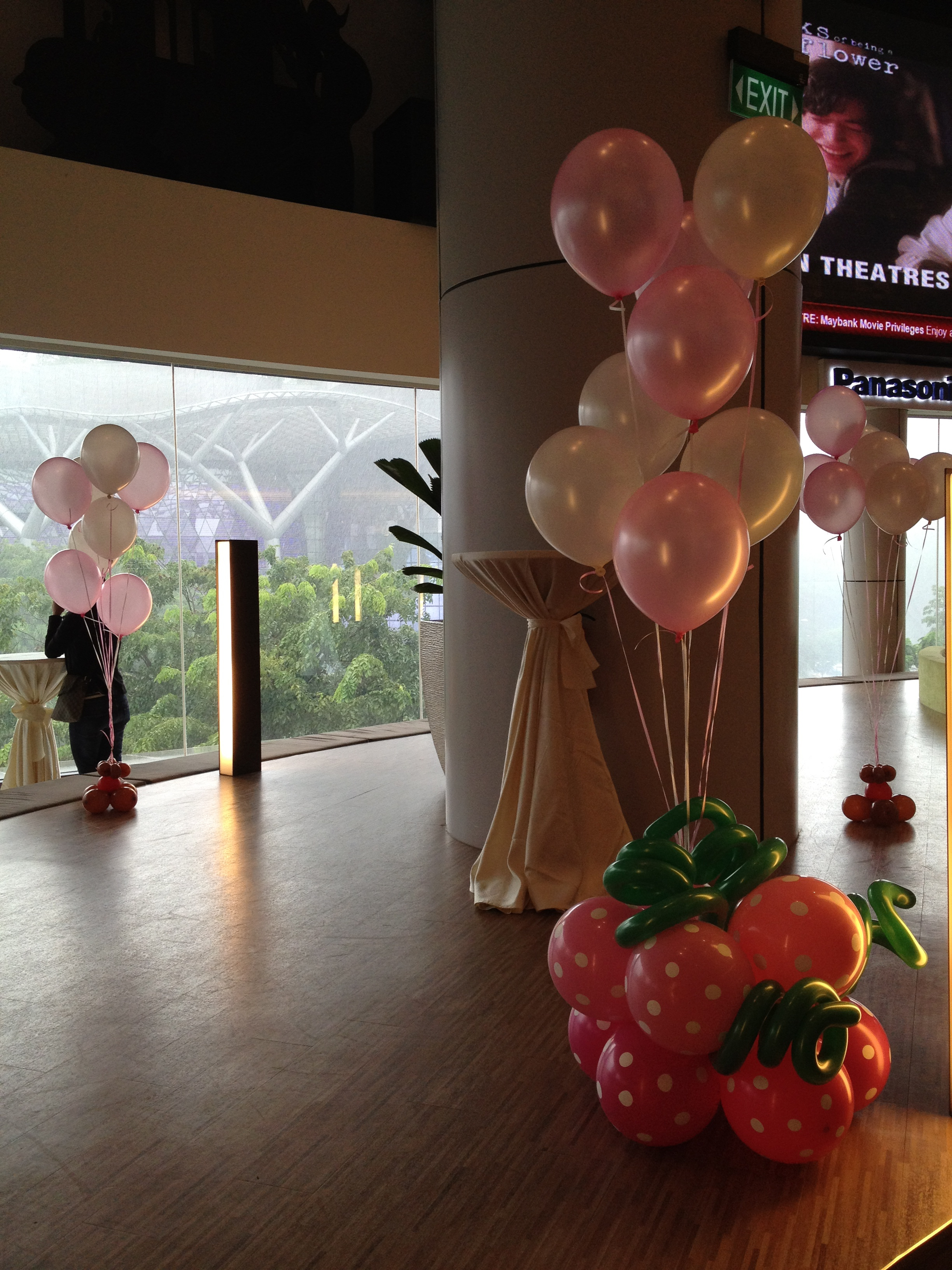 Singapore helium balloon decorations that balloons for Helium balloon decoration