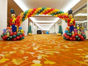 Singapore Nutcracker Balloon Arch