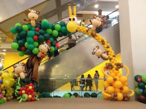 Giraffe and Monkey Balloon Arch by Lily Tan