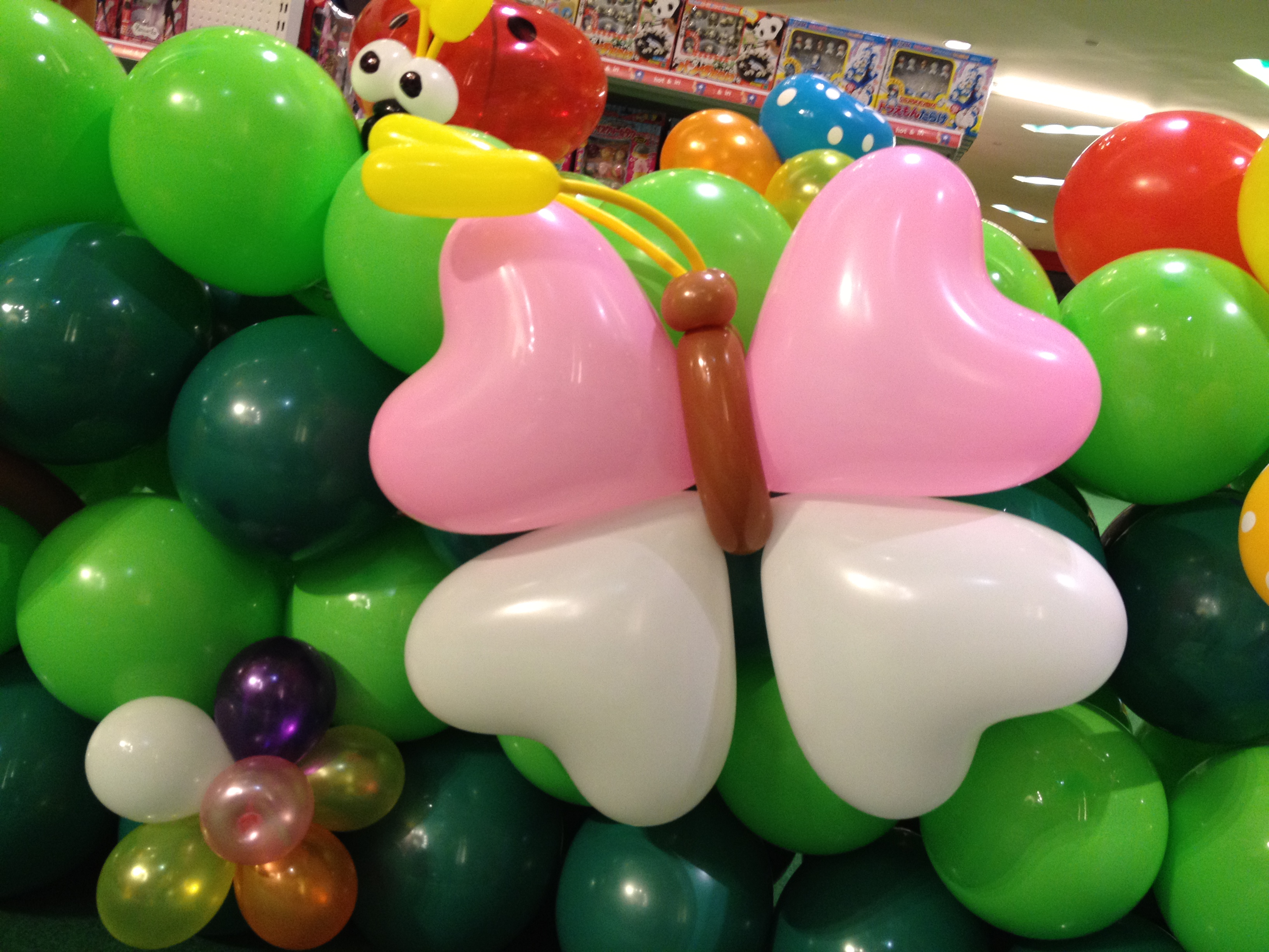 Singapore balloon butterfly deco that balloons