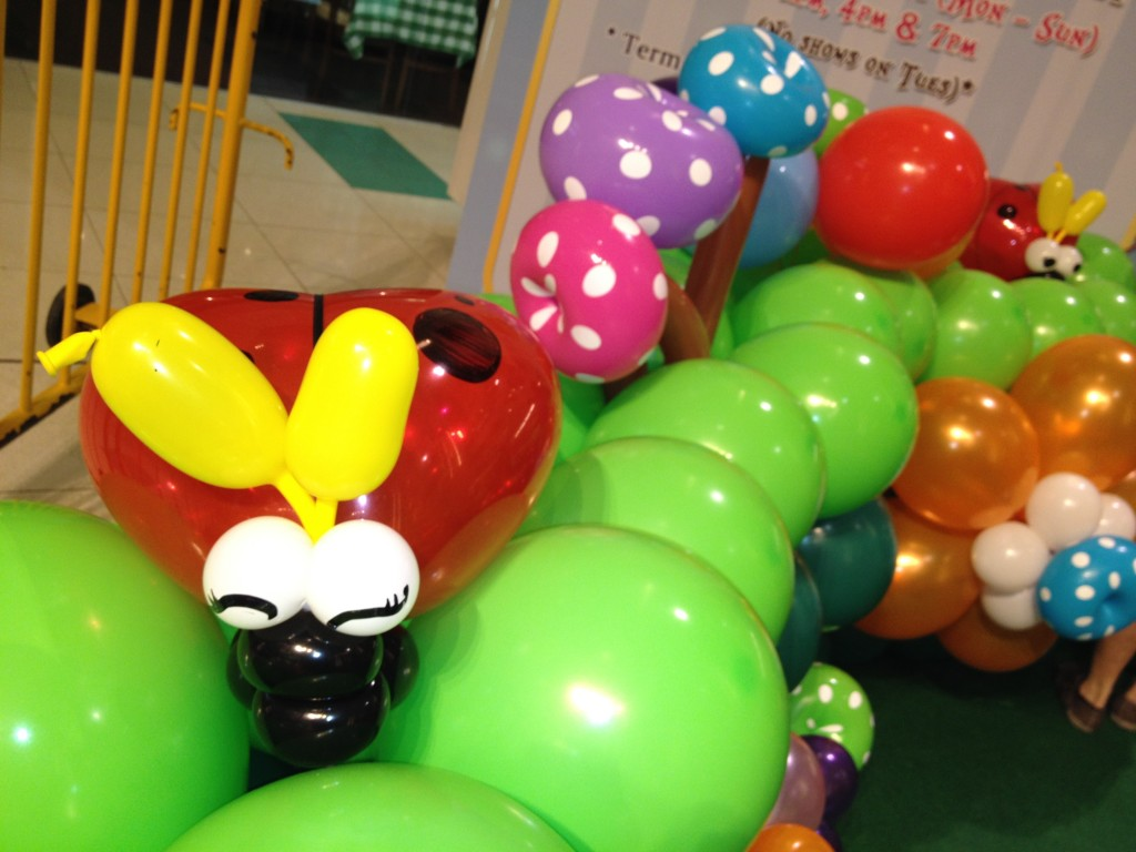 Singapore Balloon Lady Bug | THAT BalloonsTHAT Balloons