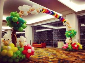 Sheep Balloon Arch