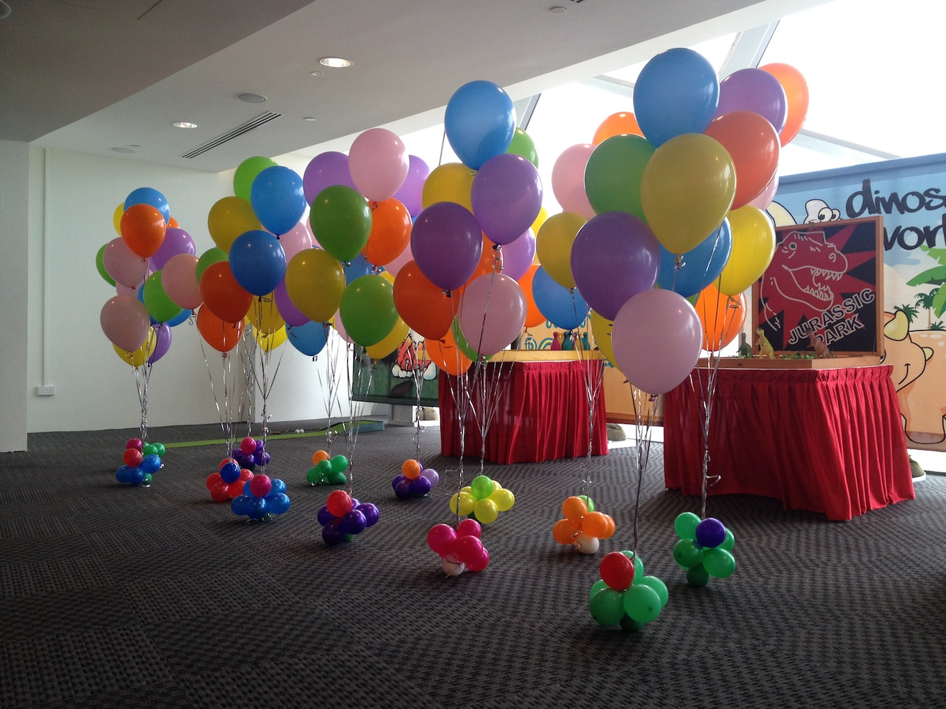 Colourful helium balloon decorations that balloons for Ballom decoration