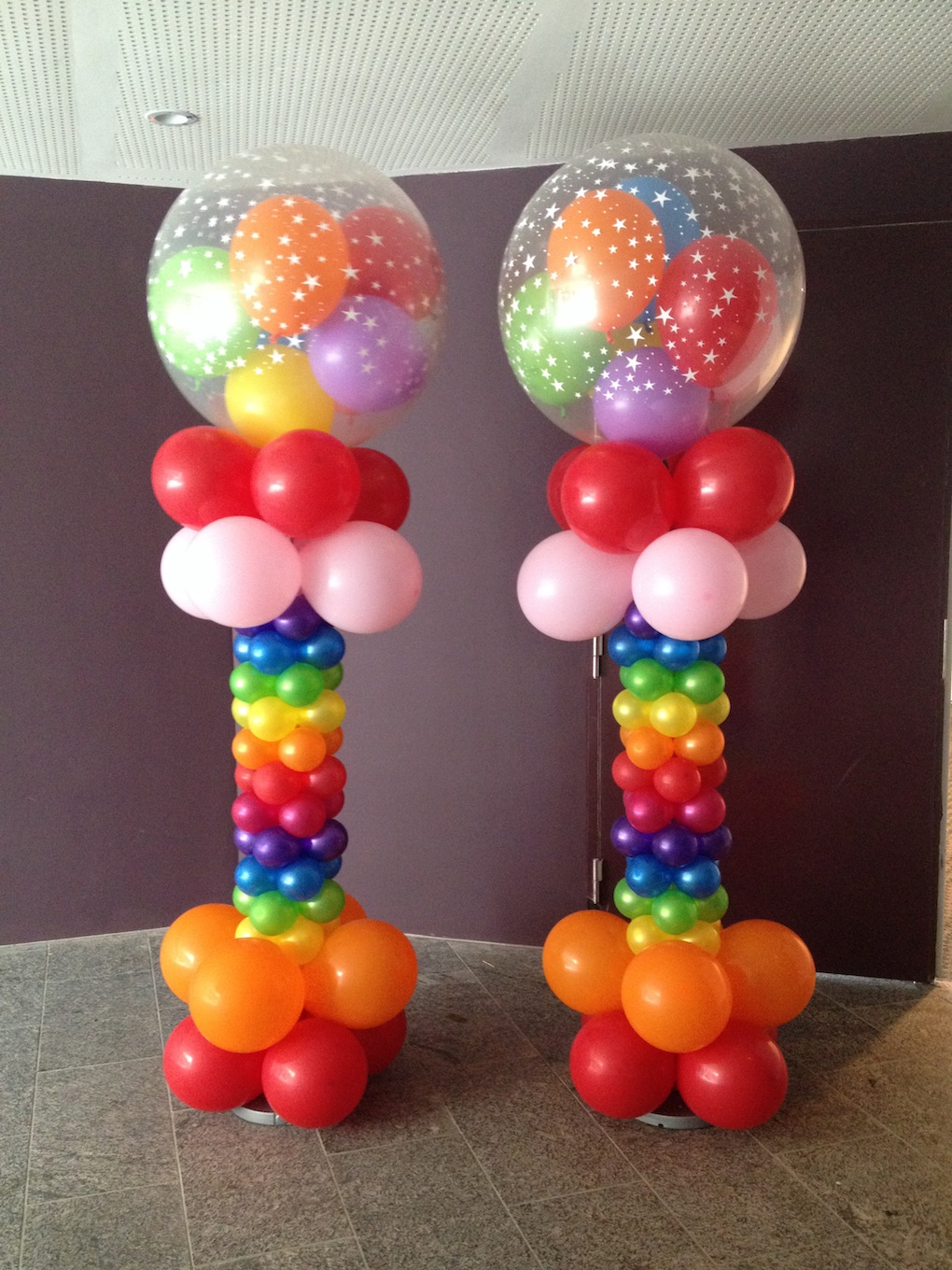 Rainbow balloon columns that balloons for Balloon column decoration