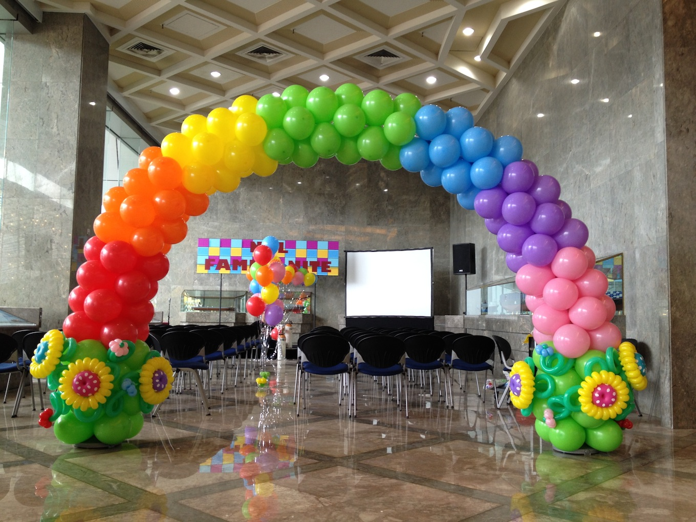 Balloon tunnel that balloons for Balloon arch decoration ideas