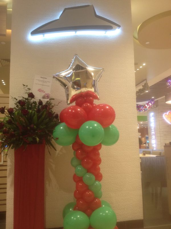 Balloon Columns for pizza hut