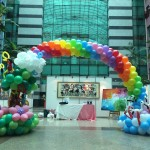 Balloon Rainbow Arch with parrots and cranes