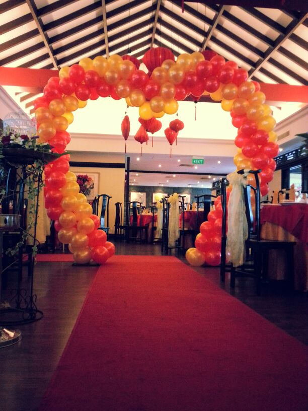 Customised Balloon Heart Shaped Arch