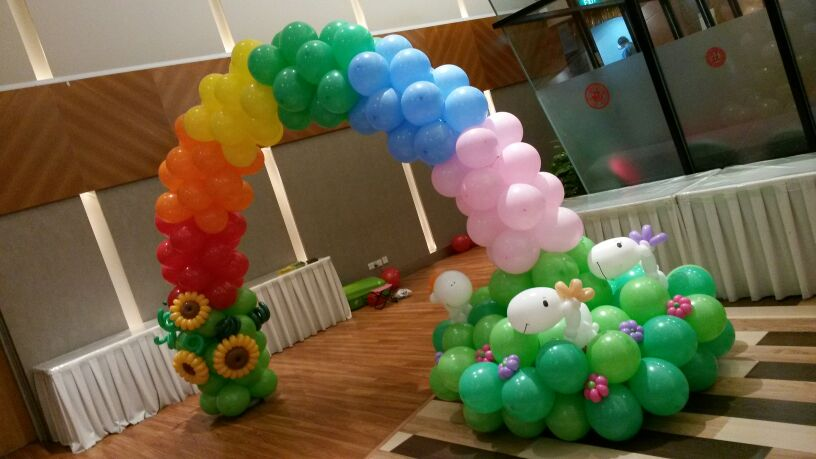 Rainbow Horse Balloon Arch