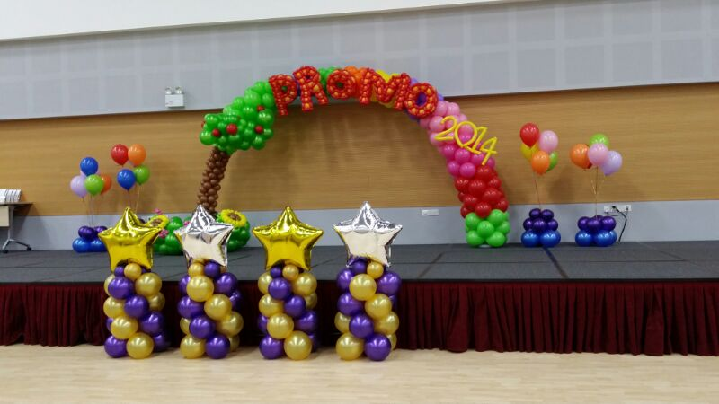 stage decor that balloons