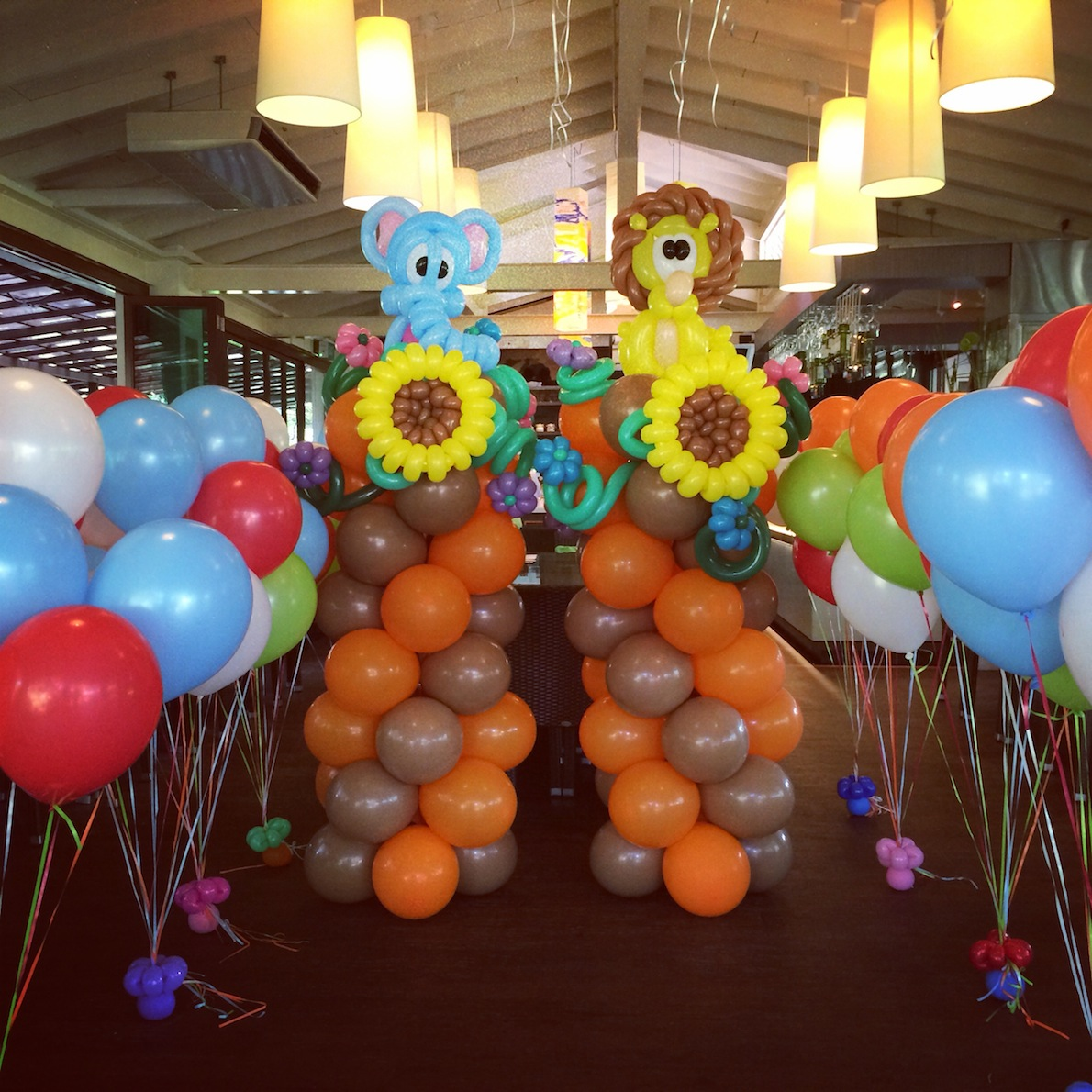 Balloon Elephant and Lion Display