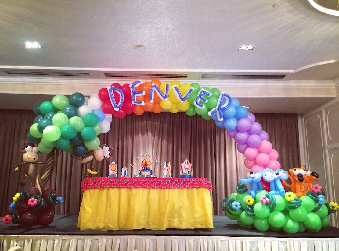 balloon rainbow arch that balloons