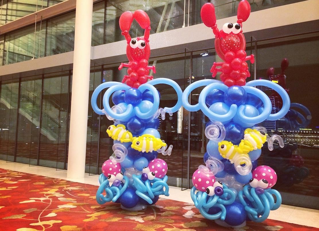 Balloon sea creatures columns