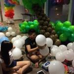 Balloon Artist Zhong Yu and Chinbee