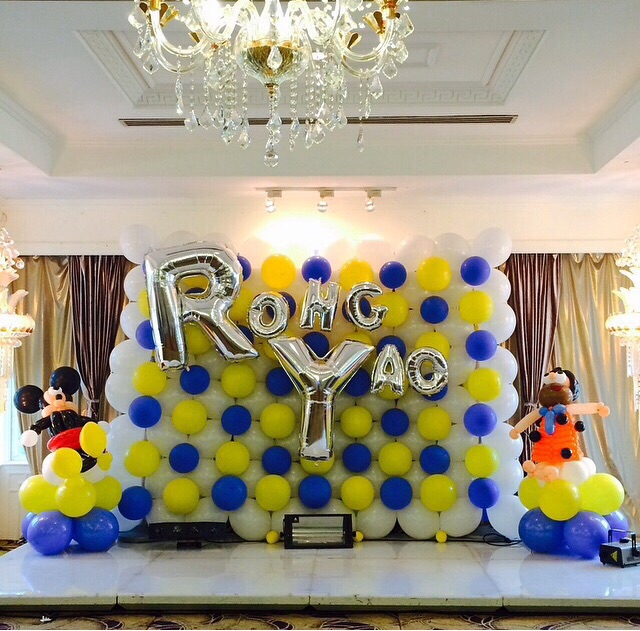 Balloon Backdrop Photobooth