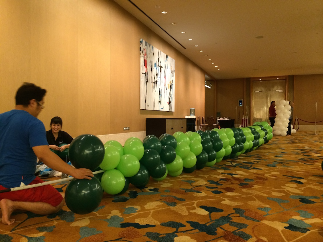 Event balloon decorations that balloons for Balloon decoration for corporate events
