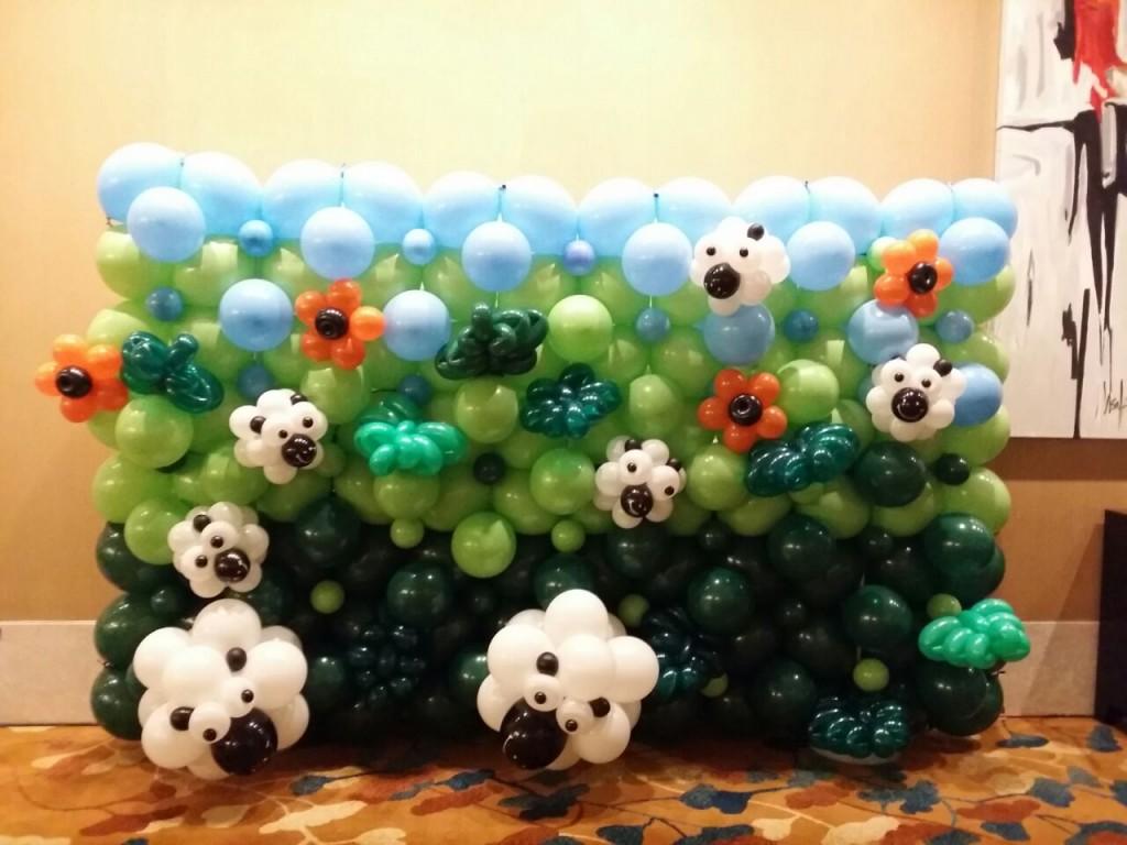 Sheep Balloon Backdrop Booth