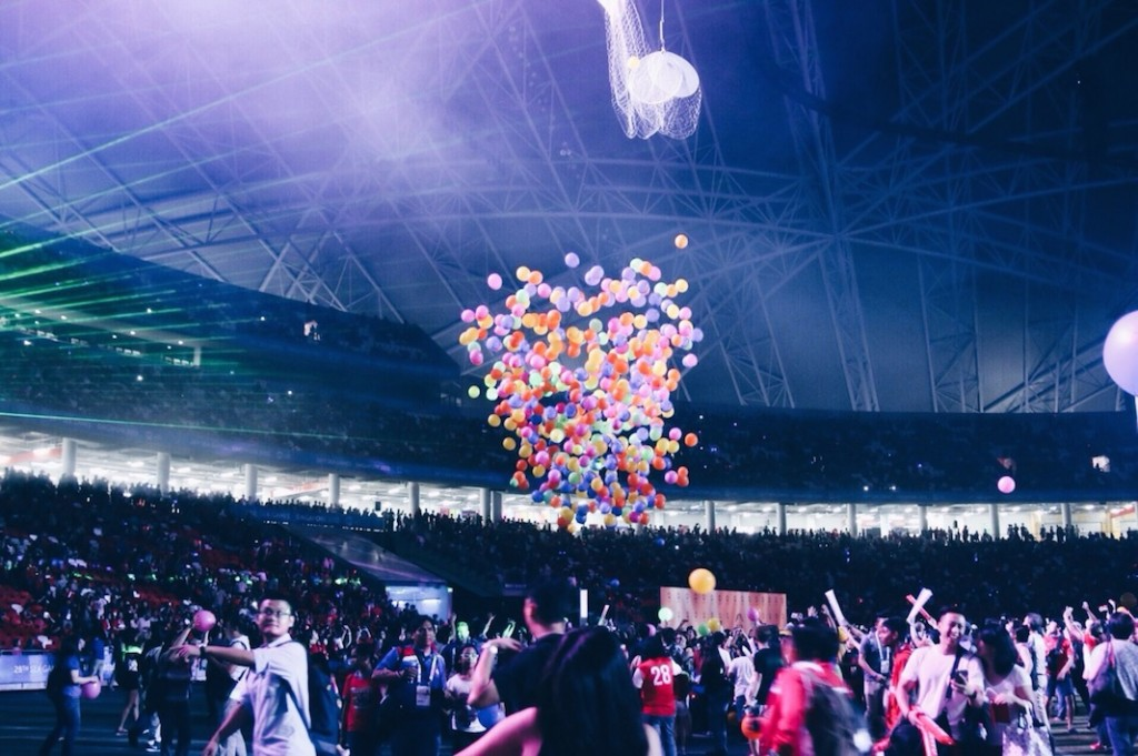 Balloons descending SEA Games 2015 Sports Hub