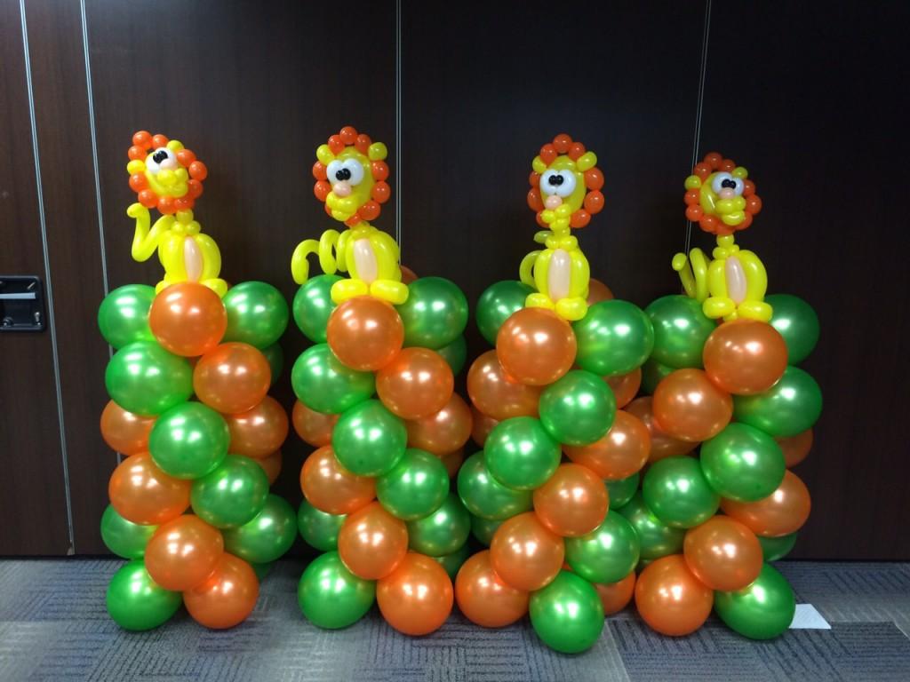 Balloon Lion Column Sculptures