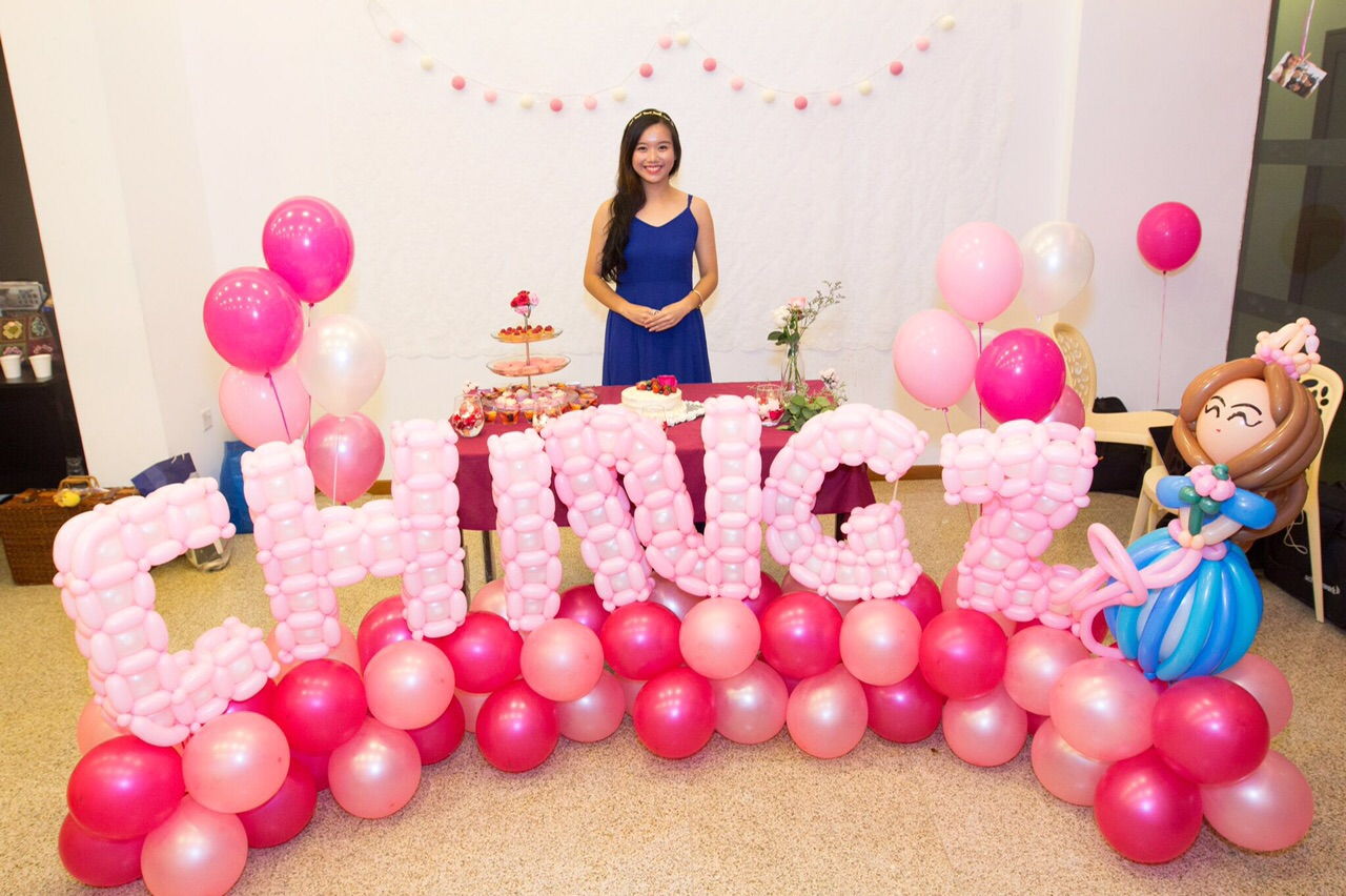 Balloon Name Sculpture Photobooth