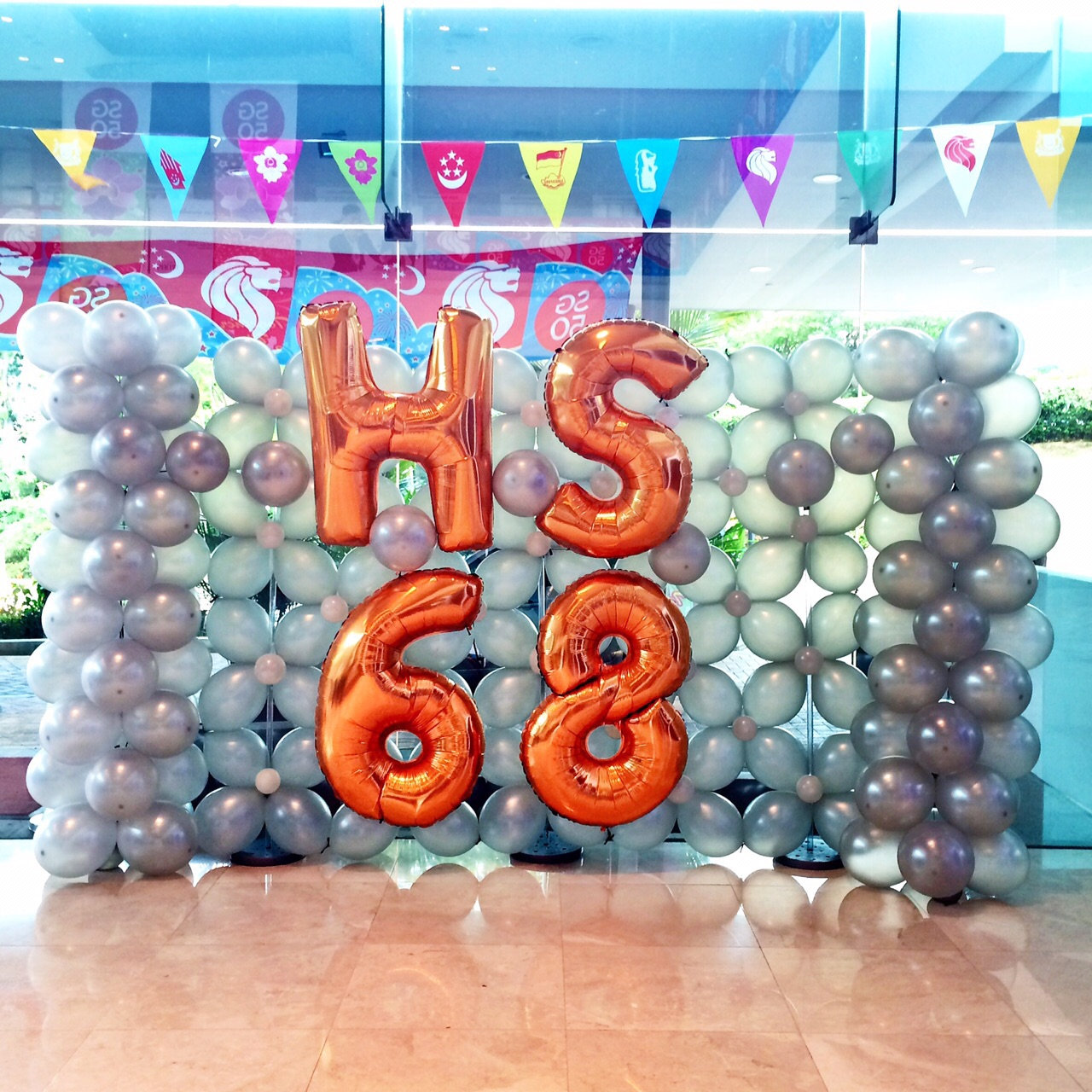Photo booth singapore that balloons for Balloon backdrop decoration