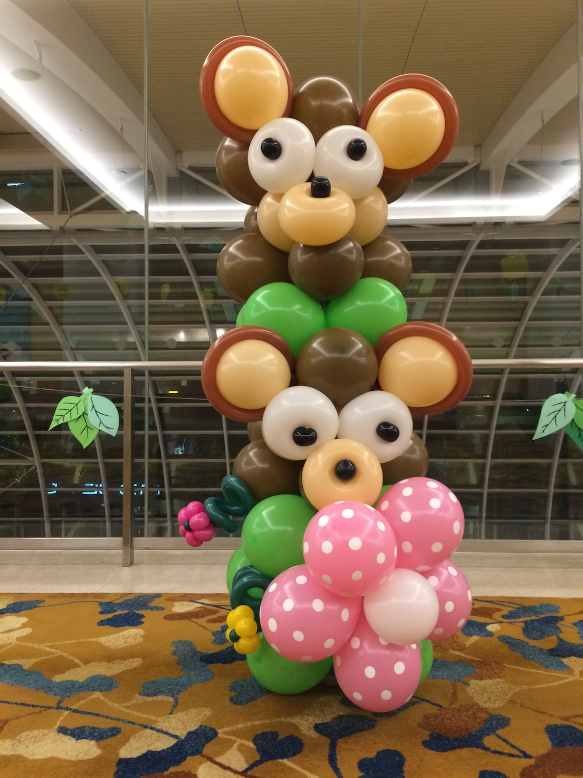 Balloon bear column that balloons for Balloon column decoration