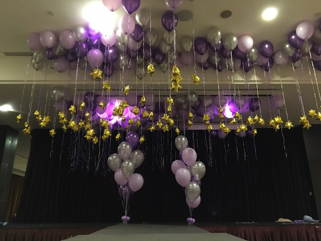 Balloon arch that balloons for Balloon decoration ideas no helium