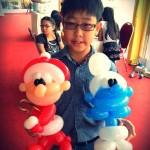Smurfs and Santa Claus Balloon Sculpture