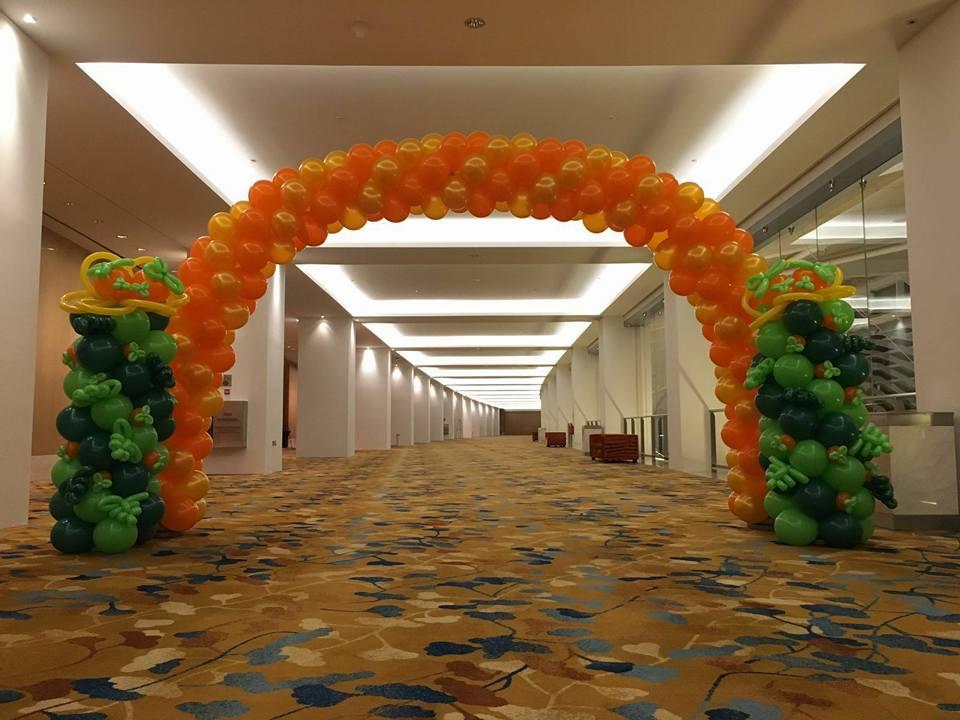 CNY balloon Arch