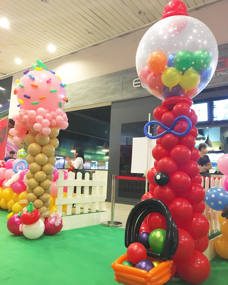 Balloon gumball machine that balloons for Balloon decoration machine