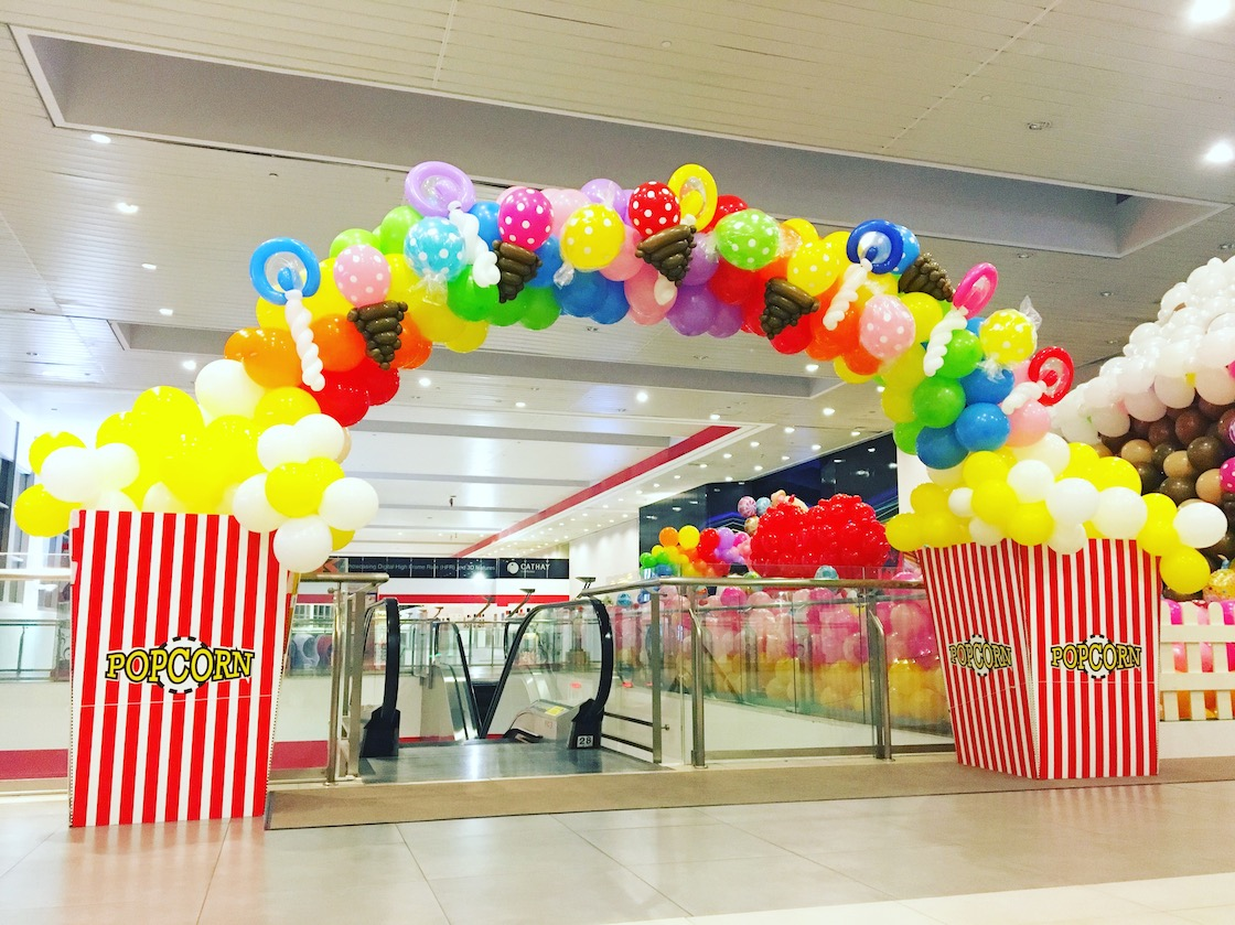 Balloon Popcorn And Candies Arch That Balloons