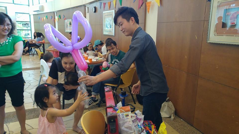 Balloon Sculptor for Hire Singapore