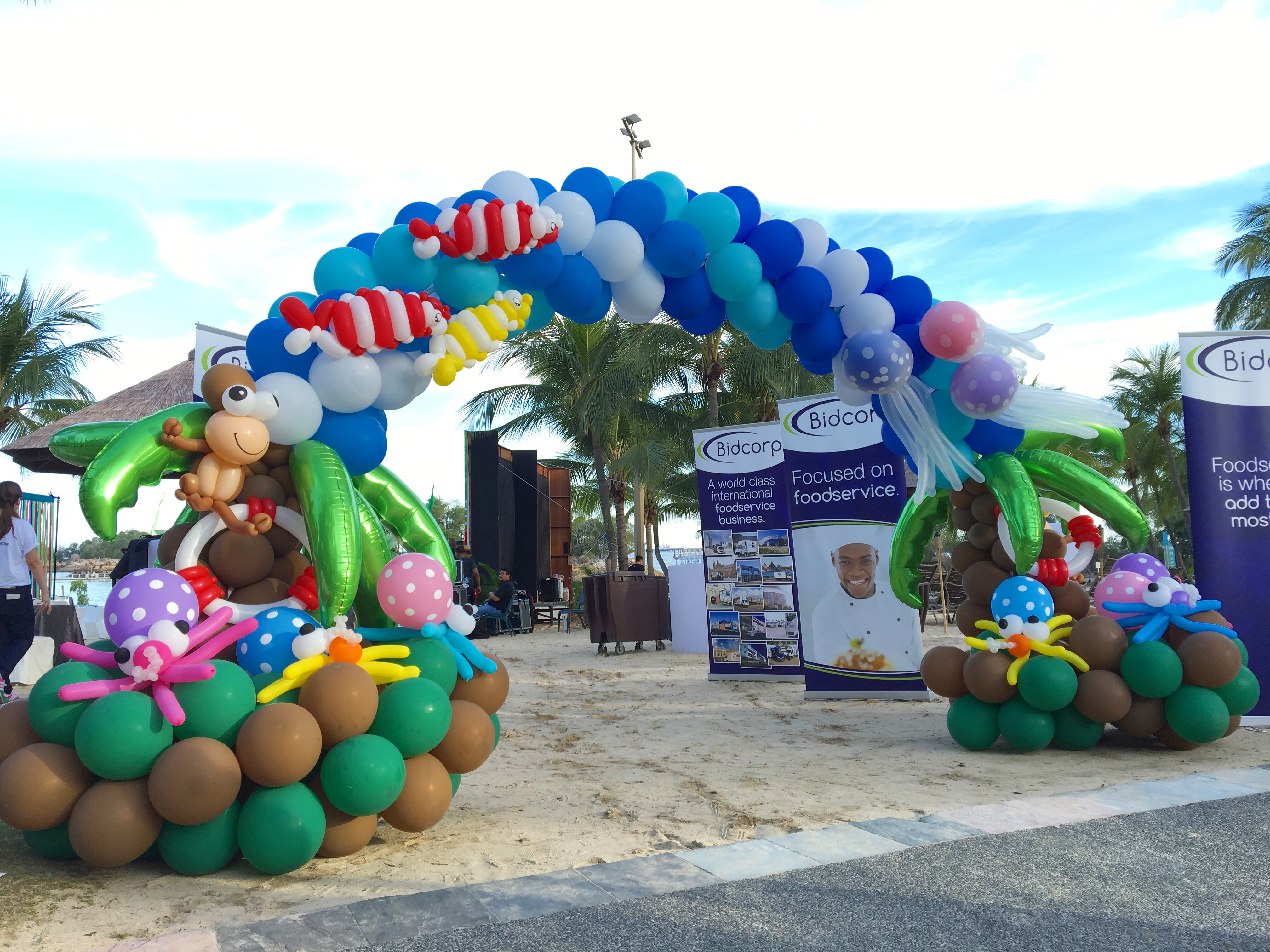 Beach theme balloon arch singapore that balloons for Photo decoration