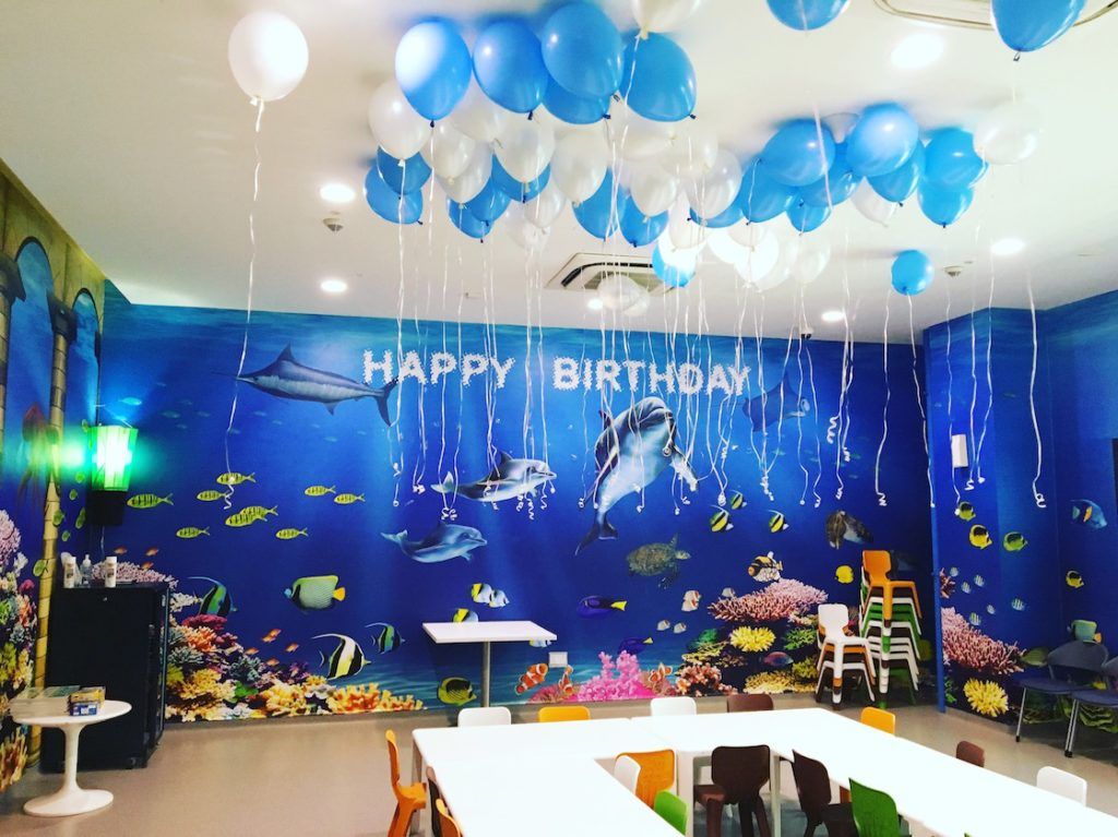 blue-and-white-helium-balloons-singapore