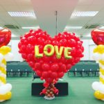 large-balloon-heart-sculpture