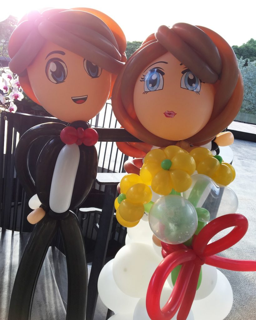 wedding-balloon-couple-sculpture