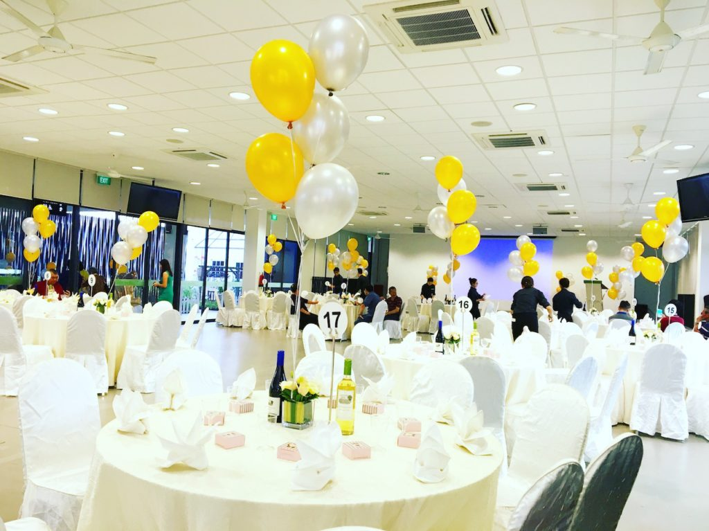 wedding-helium-balloon-table-deco