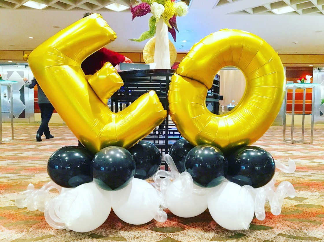 Balloon letters decoration display that balloons for Balloon backdrop decoration